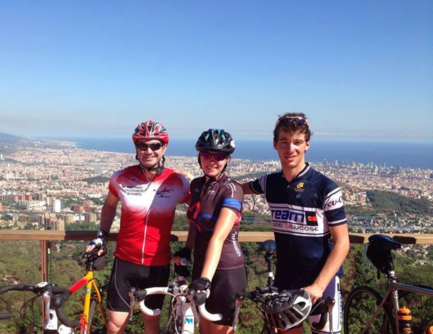 From left to right: Kyle Rose, Katie Gallagher (IDF Europe) and Pierre-Louis at the Grand Tour arrival in Barcelona